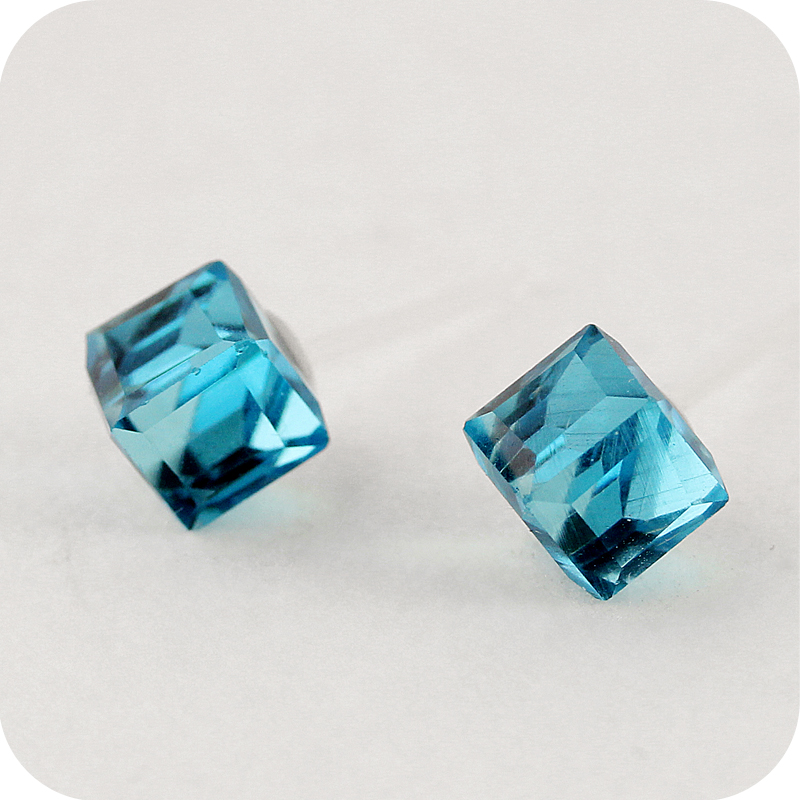 OMH Wholesale 12pair OFF 60%= $0.23/pair EH29 2015 Jewelry Fashion Crystal Square Water Cube Stud Earrings 2g
