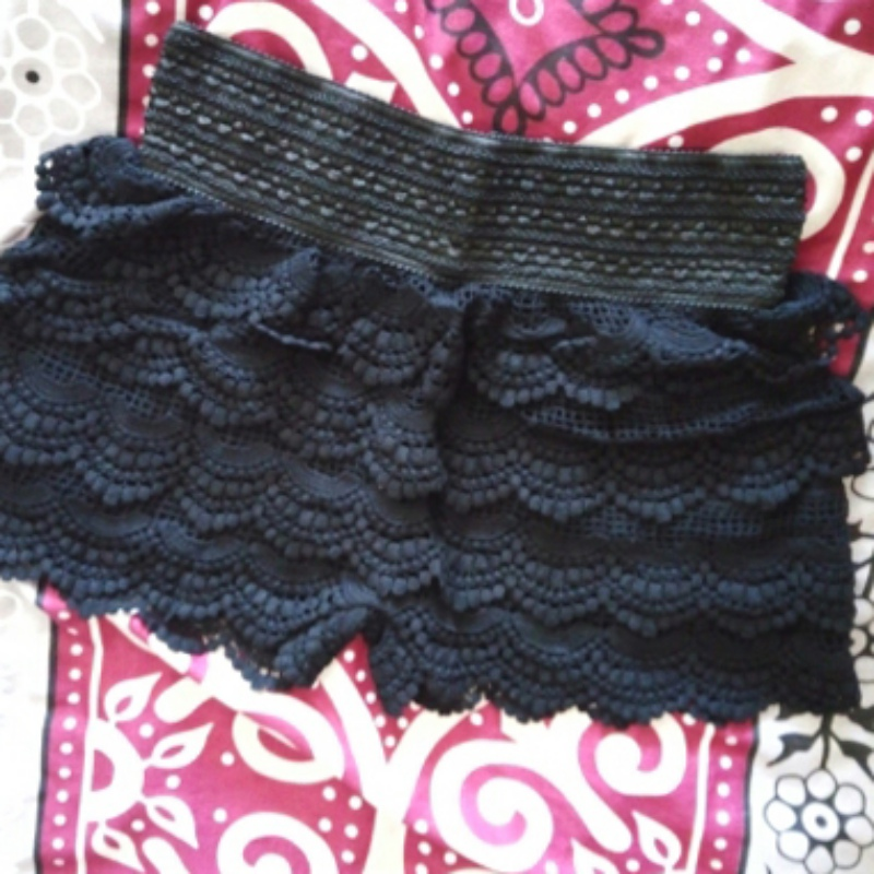 51adbd57875 Summer Fashion Womens Shorts Sweet Style Lace Crochet Elastic Waist Slim  Short Pants-in Shorts from Women s Clothing on Aliexpress.com