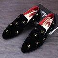Новый 2017 мужская мода бархатные туфли острым носом туфли на плоской повседневная обувь вождения мокасины красные нижние размер обуви 37-44