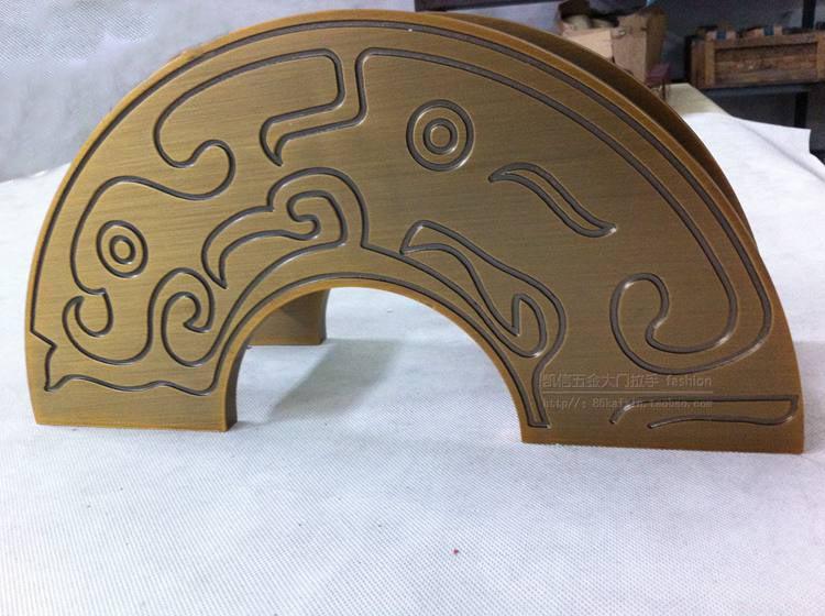 Antiguo chino tallado semicircular puerta de cristal sin marco ...