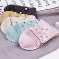 2016 otoño/invierno nuevo de las mujeres calcetines de algodón calcetines de alta calidad de diseño original de la mano abalorios de perlas para las mujeres regalo calcetines 5 colores