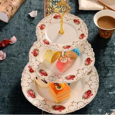 Estilo Europeu de cerâmica pastelaria stock, coração prato, bandeja de doces, cerâmica, três camadas prato de frutas secas, rack de bolo, bandeja