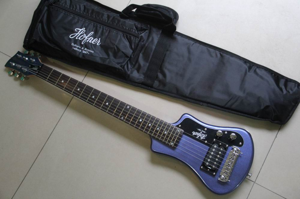 Wholesale travel electric guitar mini electric guitar free bag free shipping in metal blue 130625 free shipping wholesale high quality maestro dobro resonator purple electric guitar in stock 140401