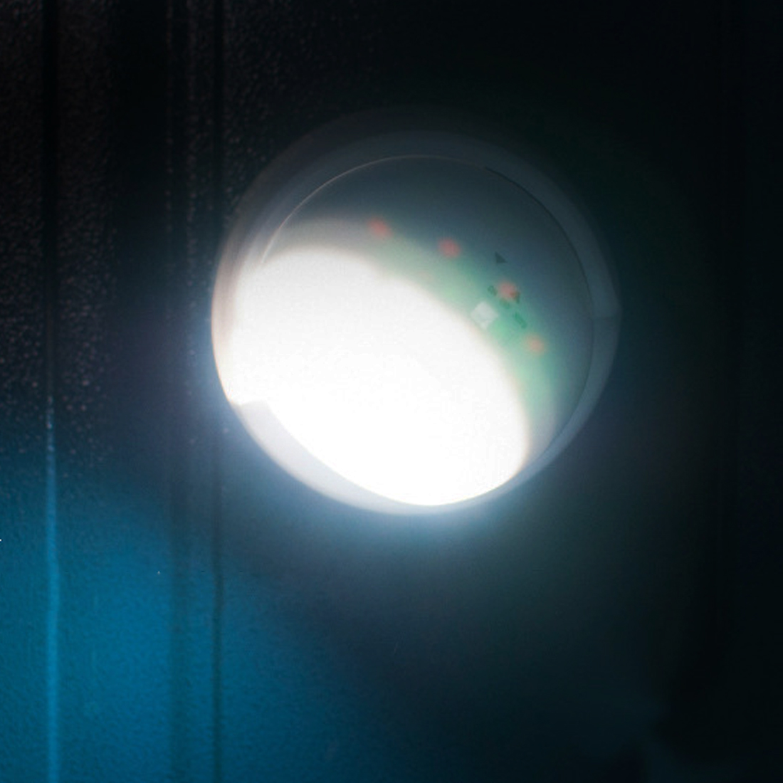 9 LED Motion Sensor Night Light 360 Degree Rotation Portable Night Light Auto IR Infrared Luminary Lamp Children Lamp LED sn101 mini 360 degree rotation 0 1w yellow light auto sensor night lamp white 2 round pin plug