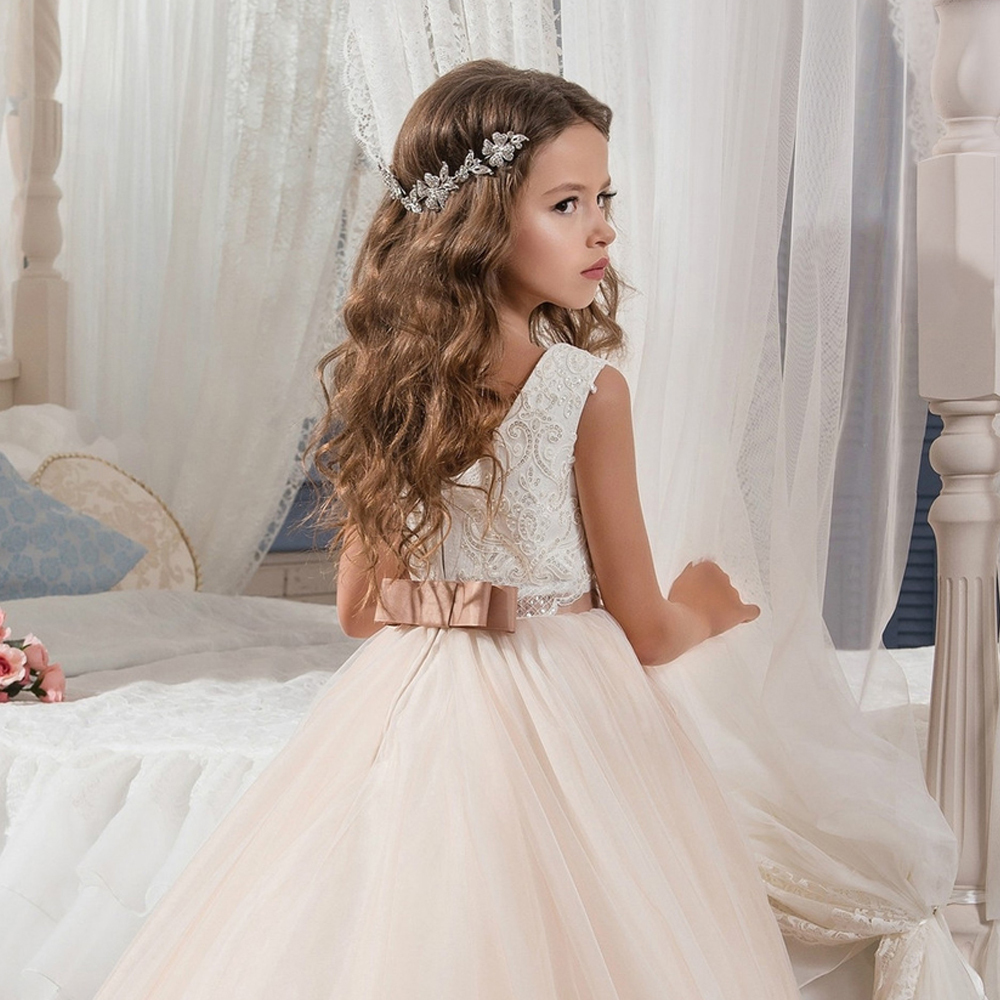 Fantaisie Champagne fleur fille robe avec ruban Beige arc col rond maille robes de bal enfants sainte Communion robes pour noël 2018 - 3