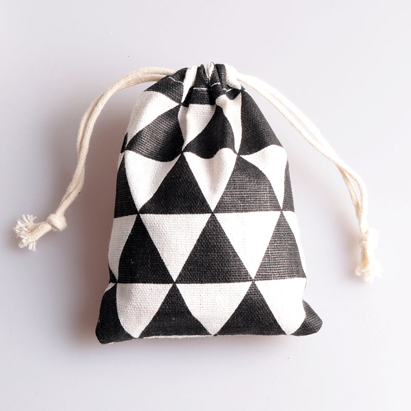 Black and white Cotton Gift Drawstring Bag 9x12cm 10x15cm 13x17cm pack of 100 Party Candy Sack