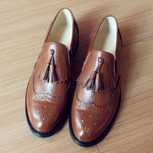 Image 3 - Men genuine leather brogues oxford flats shoes for mens brown handmade vintage casual sneakers leather flat shoes 2020