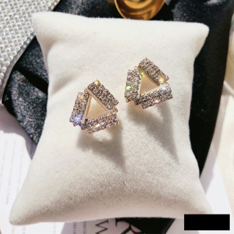 2019 New Girls Crystal Earring Gold Silver Color Temperament Anti Allergy Earrings For Women Wedding Jewelry Accessories in Drop Earrings from Jewelry Accessories
