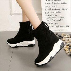 Image 5 - COOTELILI נשים קרסול מגפי פלטפורמות נעלי אישה עקבים גבוהים בתוך גובה הגדלת פו זמש מגפי תחרה עד נעלי ספורט 35 39
