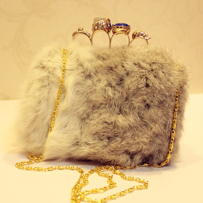 Its Yiiya Women Warm Rabbit hair party bag Sexy Luxurious and elegant fur Handbag lovely Clasp evening cluth HB040
