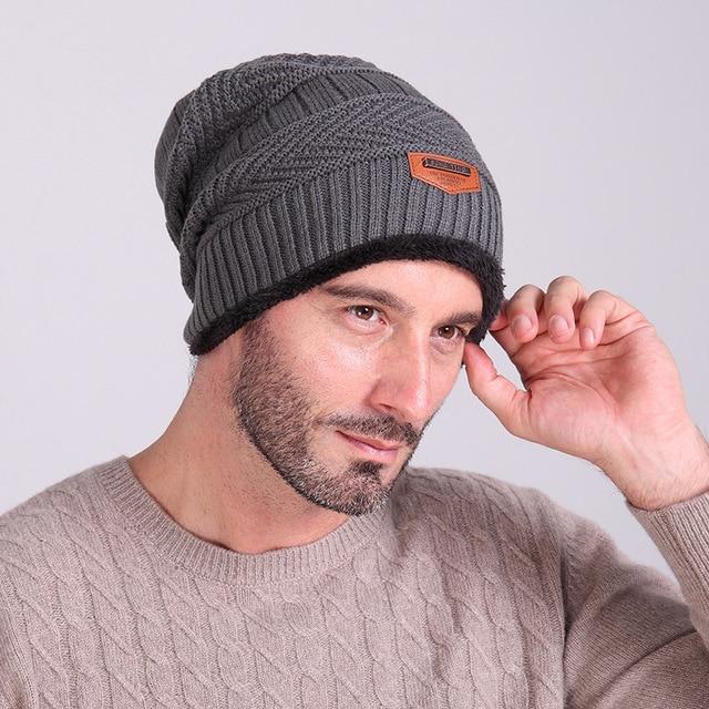 ea29e26ce50cf 2017 marca Moda hombre sombreros de invierno más cálido terciopelo punto  etiqueta Gorros de punto sólido