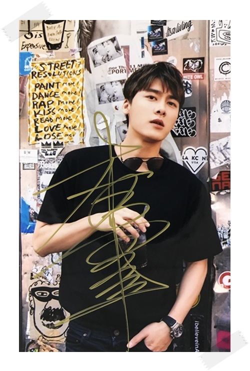 signed Evan LI YIFENG autographed photo 6 inches free shipping 3 versions 112017