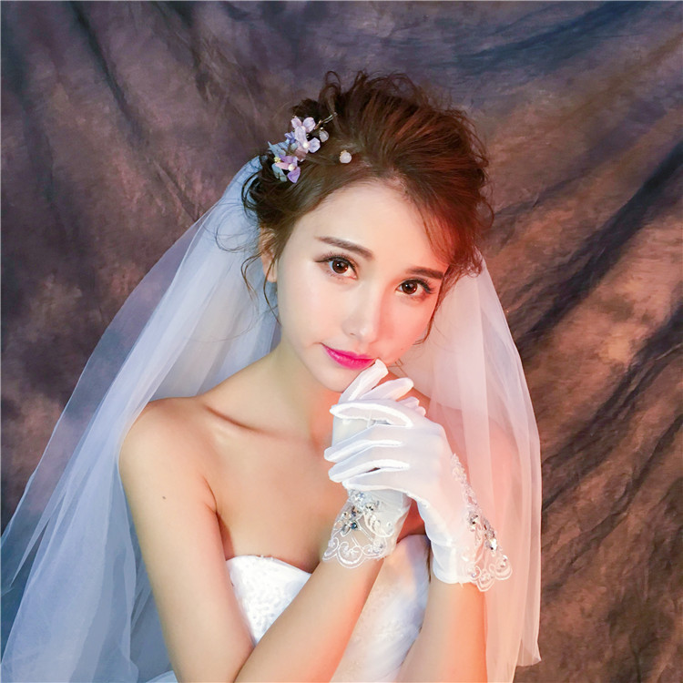 2018 Short White Finger Lace Beaded Wedding Gloves For Bride Wrist Length Woman Bridal Party Accessories Gifts