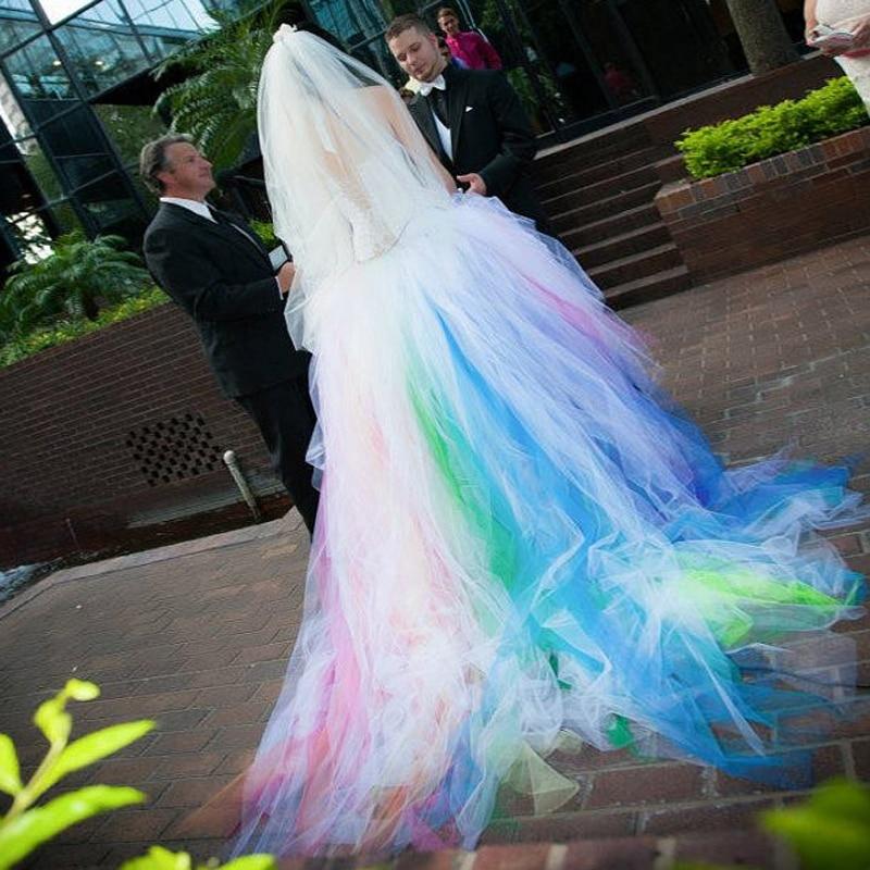 Robe De Mariage multicolore incroyable licou Tulle Robe de bal De mariée vestido de noiva personnalisé fête bal 2018 robes De demoiselle d'honneur