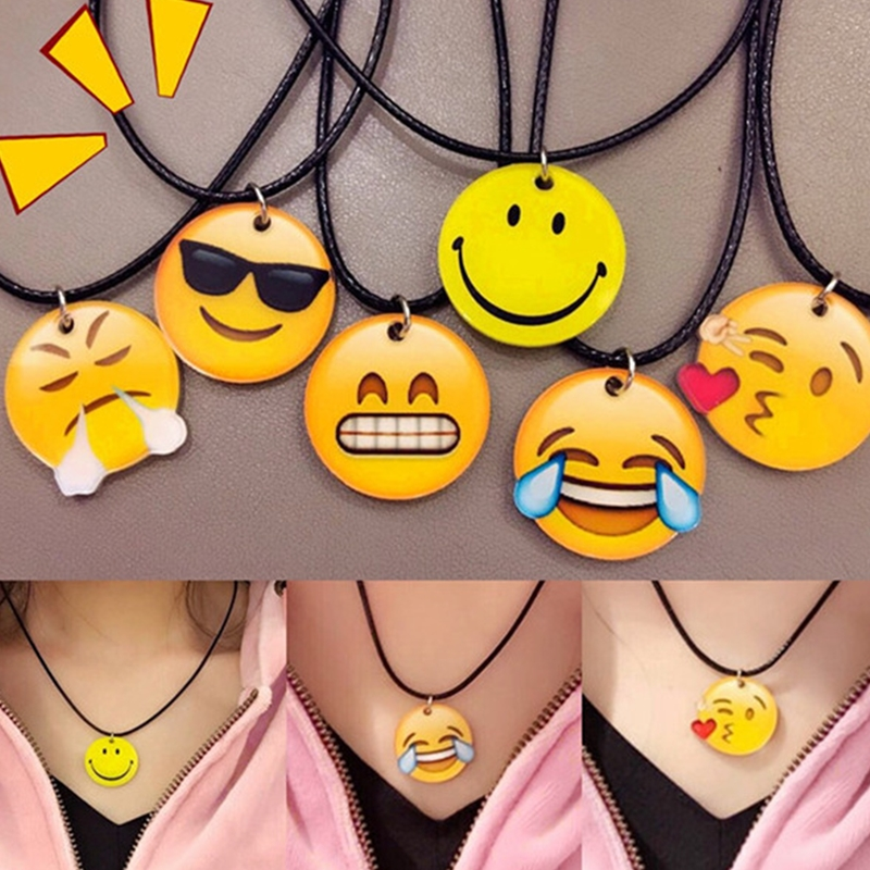 Fashion Harajuku Cartoon Cute Smile Face Pendant Faux Leather Rope Necklaces Woman Emoji Clavicle Expression Choker Party Gift