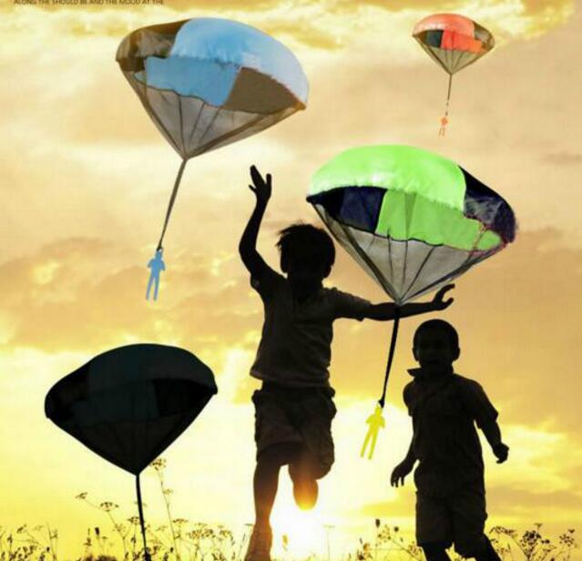 2Pcs Mini Kids Parachute Hand Throwing Parachute Toy Play Outdoor Games Children Educational Parachute With Figure Soldier