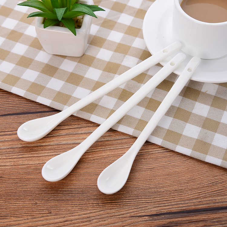 3Pcs/Set Long Handle Ceramic Spoons Coffee Ladle Dessert Ice Cream Spoon Lovely Tableware 2 Size Hot Sale