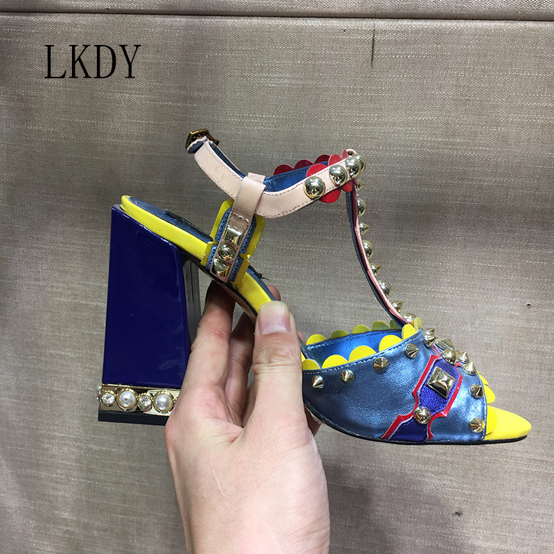 2019 LKDY ฤดูร้อนคุณภาพสูงสีฟ้าของแท้หนังฝัง rivet รองเท้าส้นสูงรองเท้าแตะปากปลา party รองเท้าสบายๆ 10 ซม.-ใน รองเท้าส้นสูงสตรี จาก รองเท้า บน   1