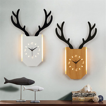 Nordic Decorative Deer Wall Clock Art Silent Wooden Hanging Simple Wanduhr Modern Minimalist Living Room