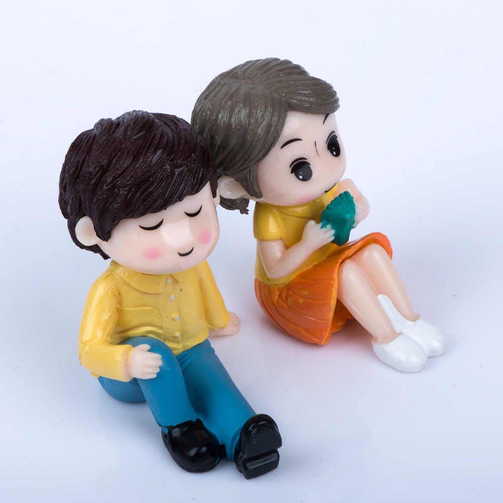 Vintage 2Pcs/set Mini DIY Crafts Sweet Couple Romantic Lovers Miniature Figurine Resin Ornaments Micro Landscape Cute Gifts