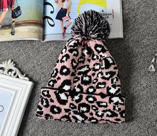 Winter Trendy Pompom Up...