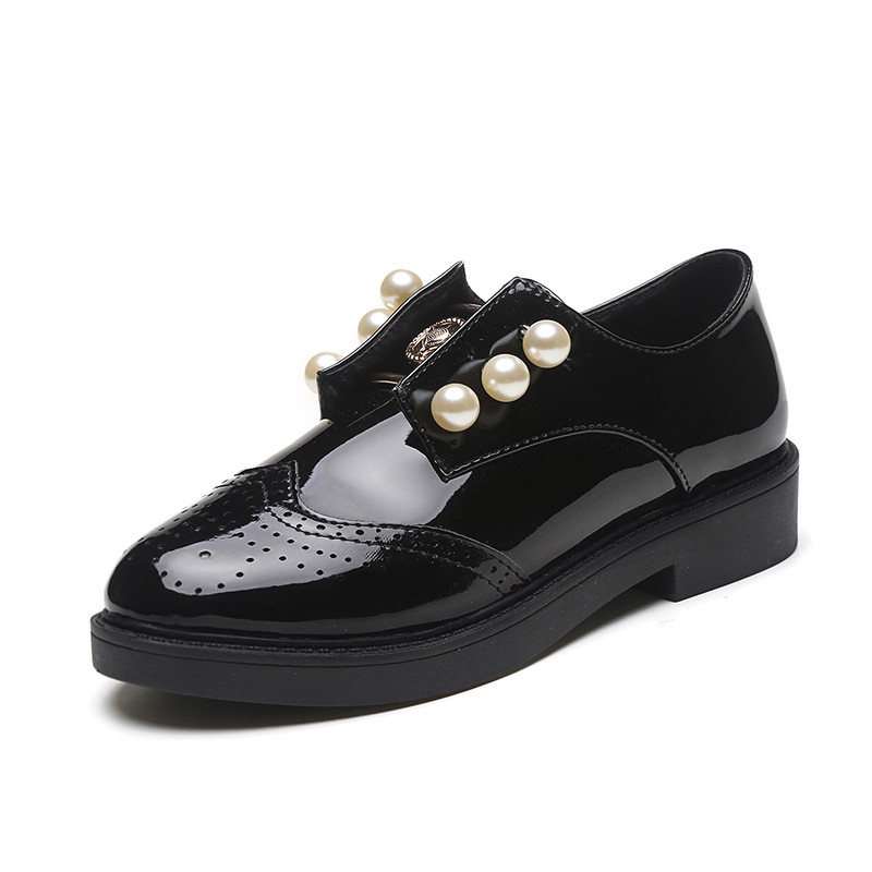 2017 fashion Spring women flats shoes Black vintage Pearl Patent Leather Round Toe Oxford women flats Bullock shoes high quality plue size 34 49 spring summer high quality flats women shoes patent leather girls pointed toe fashion casual shoes woman flats