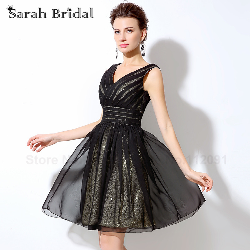 d3fa0b08d5 Sexy Deep V neck Short Prom Dresses 2017 Little Black Homecoming Dress  Tulle with Sequined Sleeveless Girls Party Gowns SD248-in Prom Dresses from  Weddings ...