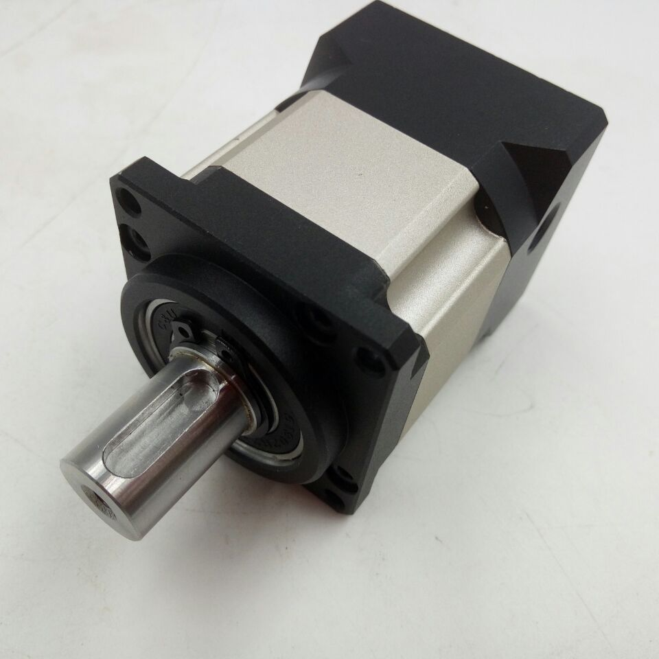 NEMA17 42mm Servo Reducer Speed ratio 20:1 Planetary Gearbox Max output torque 24N.m, Backlash Less than 16arcmin speed ratio 8 1 planetary gearbox nema17 42mm servo reducer for servo motors max output torque 10n m