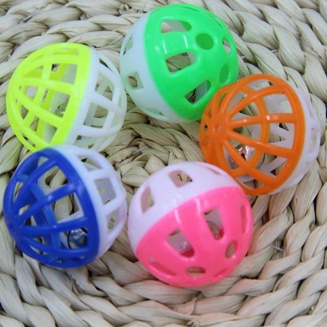 1 pz palla colorata giocattolo dell'animale domestico giocattolo del cane del gatto giocattolo con Jingle bell per piccolo medio grande cane Barboncino da compagnia prodotto Sonaglio Giocattolo Per Cat pet