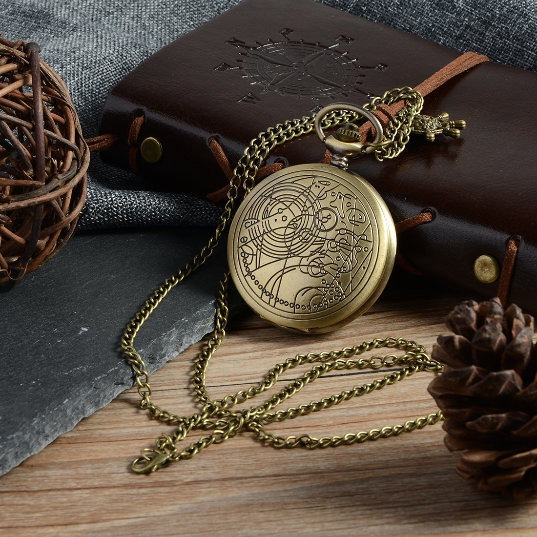 Cindiry Brand Vintage Bronze Doctor Quartz Pocket Watch Fashion Who Style  Best Gift Necklac Pendant Steampunk old antique bronze doctor who theme quartz pendant pocket watch with chain necklace free shipping