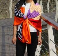 Verano estilo mujeres Niñas cuadrado grande bufanda de seda larga cebra caballo/Plumas impreso bufanda cachecol feminino bufandas naranja