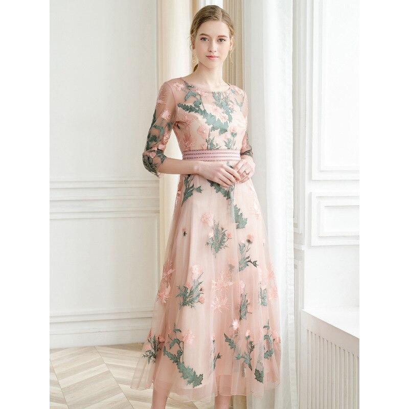 Printemps été nouvelle marque de femmes robe demi manches maille broderie fleurs longue robe Slim robe