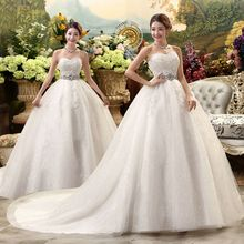 Robe de mariée romantique blanche avec queue, robe de mariée Vintage avec grande dentelle, avec traîne Royal, modèle offre spéciale, modèle 2019