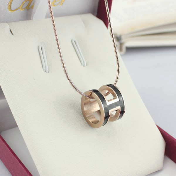 high quality 316 stainless steel h letter pendant necklace for women (3)