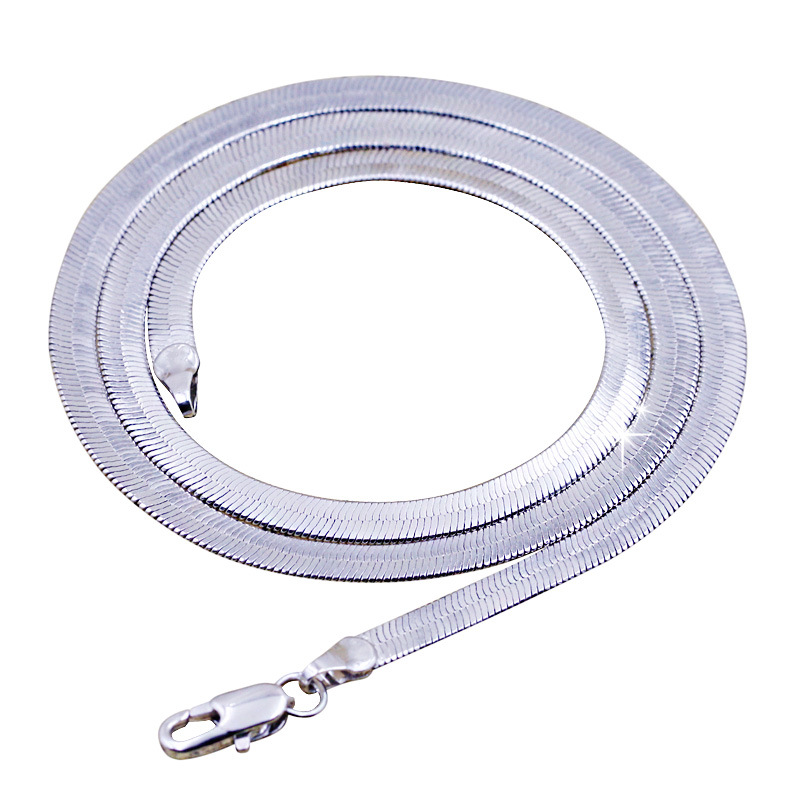 2cccc15df61c Collar de plata de alta calidad para hombre MS párrafo corto clavícula hoja  cadena moda Nightclubs accesorios cadena plana 45 CM