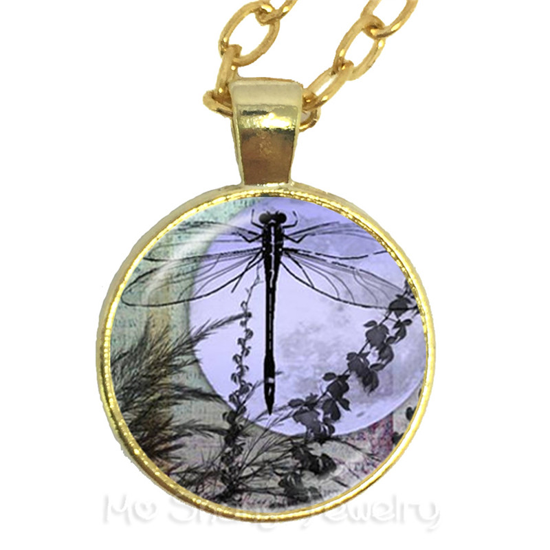 Family Decor Bumble Bee Art Inscect Pendant Necklace Cabochon Glass Vintage Bronze Chain Necklace Jewelry Handmade