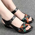 2016 verão nova mãe idosos moda casual sandálias sandálias flat oco grandes estaleiros sandálias das mulheres, frete grátis