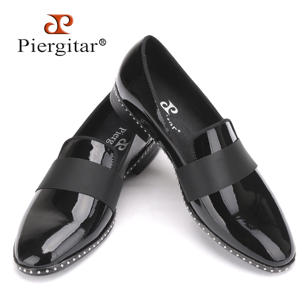 Handmade Patent leather with black buckle men loafers Fashion Europe luxury brand party and wedding men dress shoes men's flats men loafers paint and rivet design simple eye catching is your good choice in party time wedding and party shoes men flats