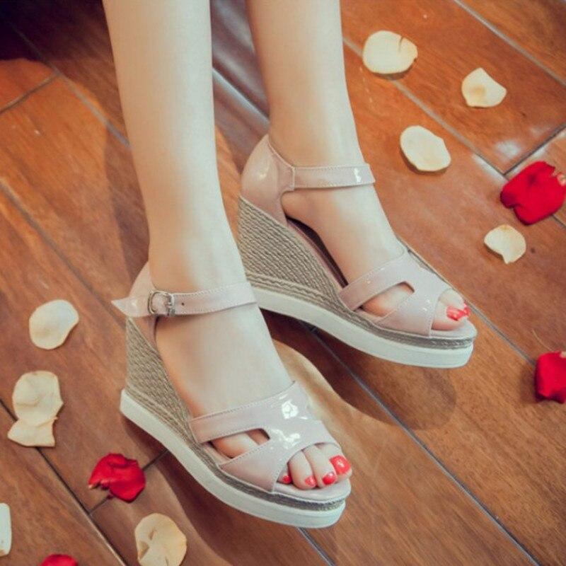 2019 nouvelles chaussures en cuir d'été femmes sandales de mode plate-forme sandales femmes chaussures compensées talons hauts chaussures confortables dames