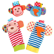Bayi Rattle 4 Pcs Bayi Pergelangan Tangan Guncang Kaki Finder Set Kaus Kaki Mainan Developmental Lembut Adorable Monyet Gajah Gaya Baby Shower