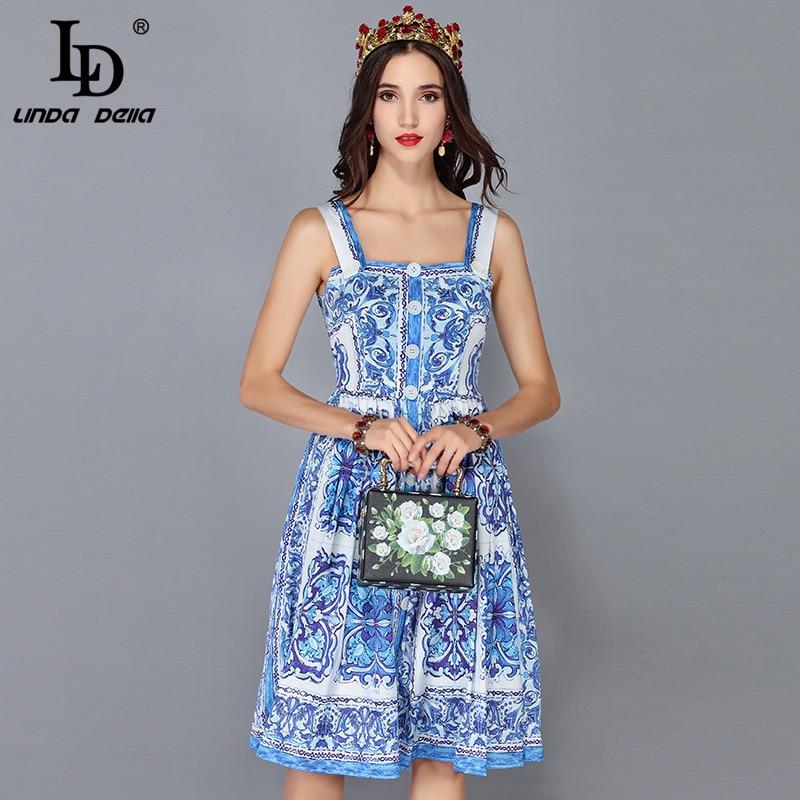LD ليندا ديلا جديد أزياء المدرج فستان صيفي المرأة السباغيتي حزام الأزرق و الأبيض الزهور المطبوعة فستان كاجوال vestidos-في فساتين من ملابس نسائية على  مجموعة 1