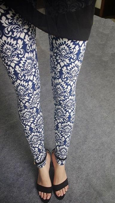 K092 blue embroidery