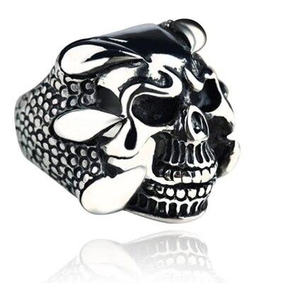 Venta al por mayor (10) tide person retro tridimensional skull men ring cumpleaños regalo joyería anillo titanio acero dominación anillo