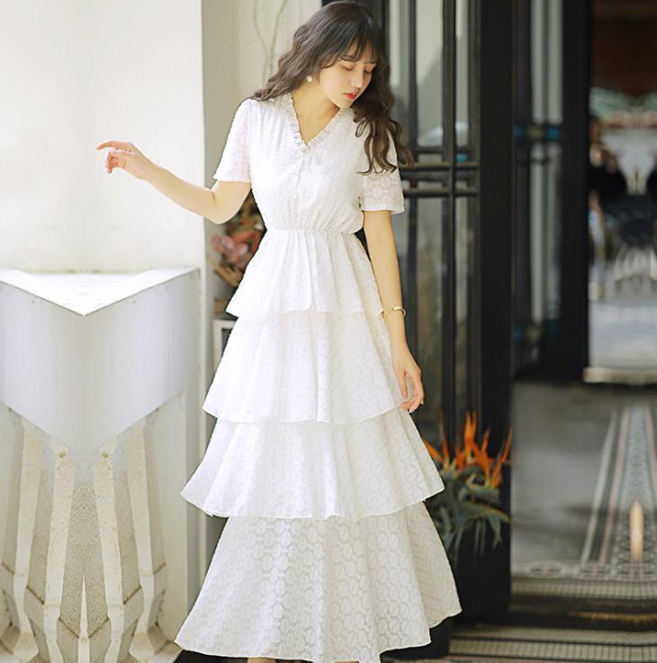 2019 élégant luxe piste blanc dentelle robe femmes à manches courtes Sexy col en v couches à volants gâteau robes de fête robes