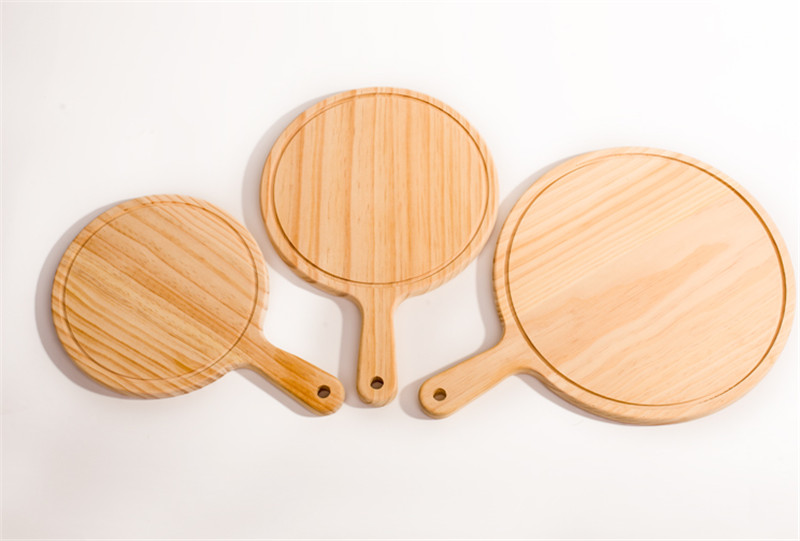 Round Kitchen Cutting Board with Hand 4