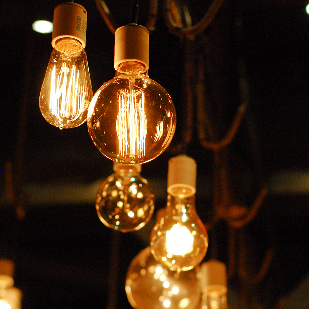 2019 Edison Bulb E27 220V 40W ST64 A19 T45 G80 G95 G125 Incandescent Filament Bulb Lighting Retro Edison Light Bulb