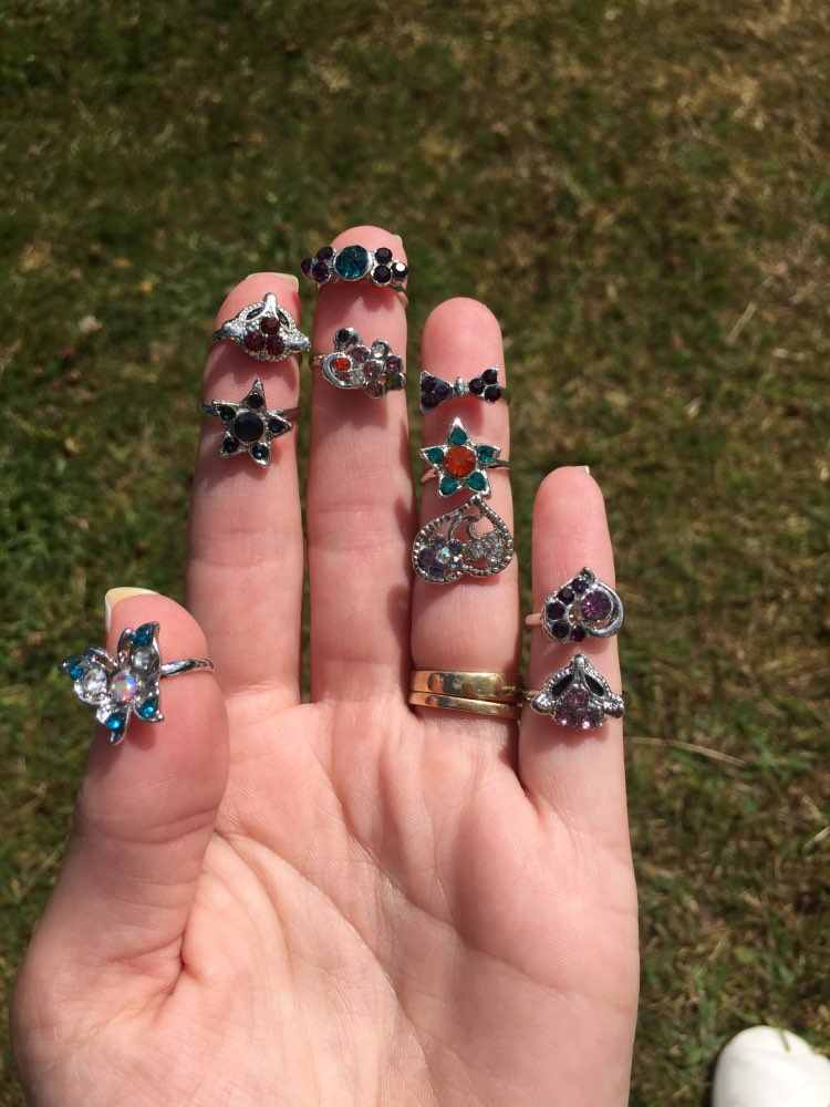 AOMU ขายส่ง 10pcs การ์ตูนแมวดอกไม้เครื่องประดับจำนวนมากผสมน่ารักเด็กหญิงเจ้าหญิงคริสตัล Rhinestone เด็กแหวนเด็ก