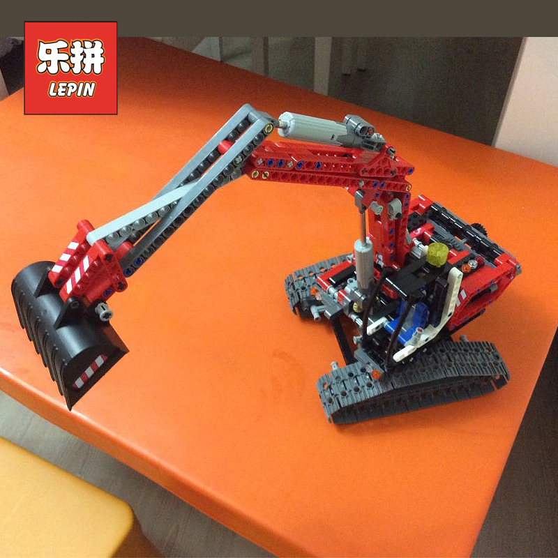 Lepin 760pcs Technic 20025 the Red Excavator Set compatible 8294 Building Blocks Bricks Educational Toy Children Gift Legoinglys new lepin 16009 1151pcs queen anne s revenge pirates of the caribbean building blocks set compatible legoed with 4195 children