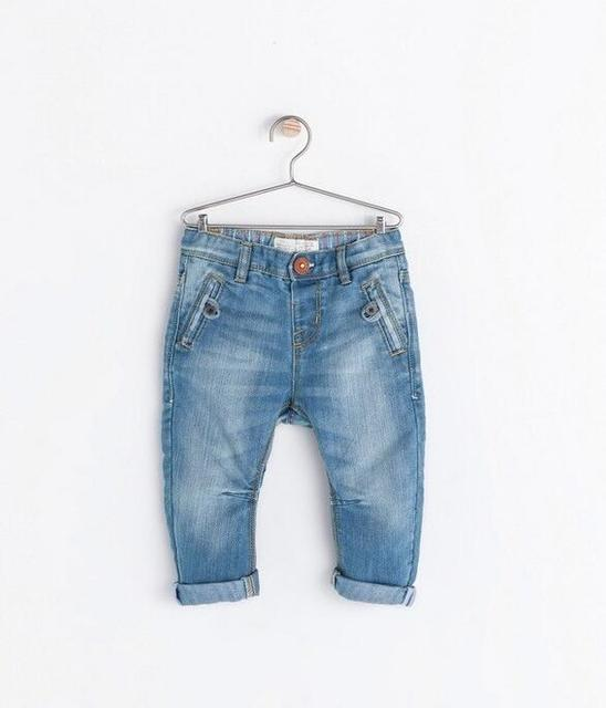 Новое прибытие Детская мода Нерегулярные карманы джинсы Мальчики дети Мыть сделать старый джинсовые Брюки Бренда одежда Оптом