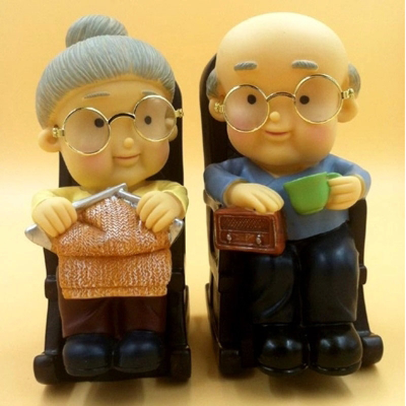 2017 Plastic Large Cartoon Wedding Gifts Elderly Piggy Kids Money Box Bank For S 16 5 11 5cm In Bo From Home Garden On